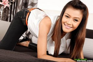 Telefonsex Flirts mit junge Frauen aus Thailand